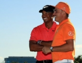 Tiger Woods a Rickie Fowler