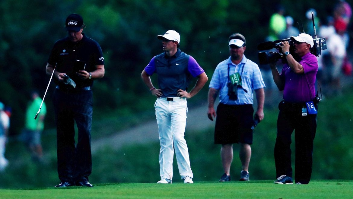 Rory McIlroy a Phil Mickelson