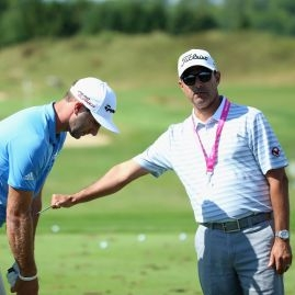 Dustin Johnson a Claude Harmon III